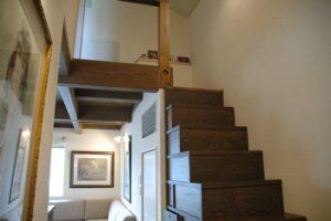 階段収納と吹き抜け